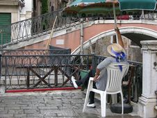 Free Waiting Gondolier Stock Image - 931031