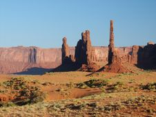 Free Monument Valley  III Royalty Free Stock Image - 932276