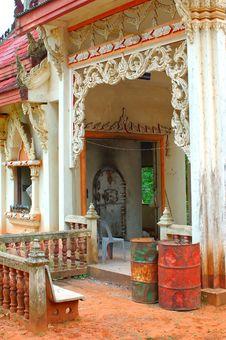 Free Buddhist Crematorium Near Ban Pa San Village, Thailand. Royalty Free Stock Image - 932286