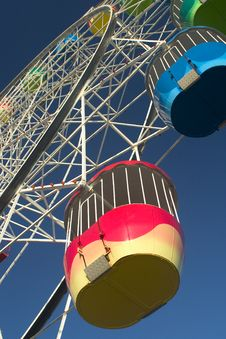 Free Ferris Wheel Royalty Free Stock Images - 932639