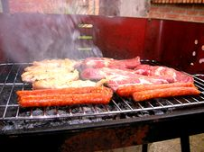 Free Meat On The Grille Royalty Free Stock Photo - 932885