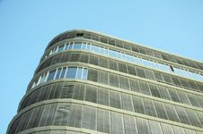 Free Modern Office Building 02 Royalty Free Stock Image - 933766