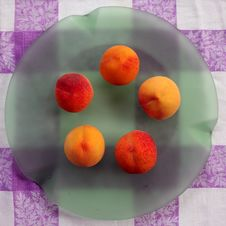 5 Peaches 1 Stock Images
