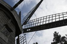 Free Wooden Windmill Royalty Free Stock Photo - 936255