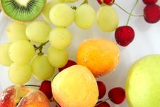 Free Fresh Fruits Royalty Free Stock Photo - 937015