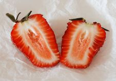 Free The Cut Strawberry Royalty Free Stock Photo - 9301105