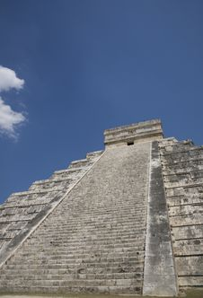 Free Chichen Itza Royalty Free Stock Photo - 9301985