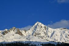 Free Snow Covered Mountains Royalty Free Stock Images - 9302419