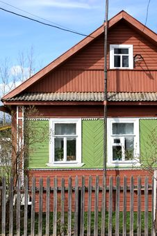 Free Russian Wooden House Royalty Free Stock Image - 9309576