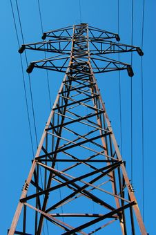 Free Electrical Tower On A Background Of The Blue Sky Stock Images - 9311424
