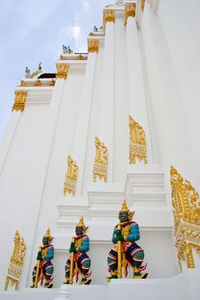 Free Giant Guardian Statue In Thai Style Stock Images - 9327494