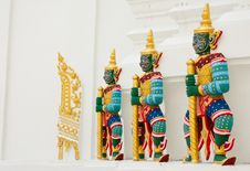 Free Giant Guardian Statues In Thai Style Royalty Free Stock Image - 9327706