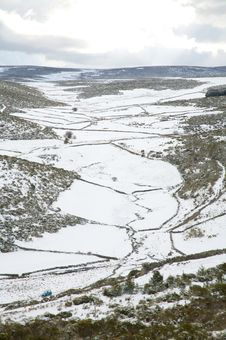 Free Snow Landscape At Gredos Royalty Free Stock Image - 9335676
