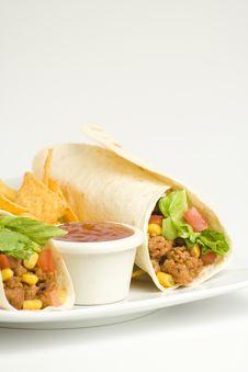 Free Delicious Fajitas Beef Lettuce Tomato Pepper Corn Stock Photography - 9337982