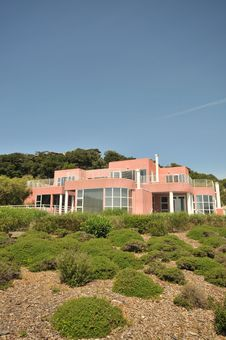 Free Pink Two Level House With Shrubs In Front Stock Photography - 9338842