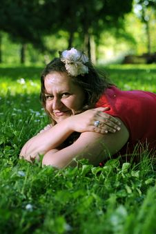 Free Bohemia Woman In A Park Royalty Free Stock Photos - 9341408
