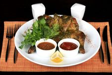Free Roasted Whole Chicken On A Plate Royalty Free Stock Image - 9341886