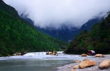 Free YULONG SNOW MOUNTAIN-WHITE RIVER Stock Images - 9344674