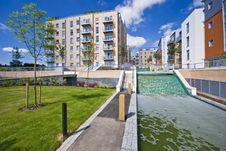 Free Modern Development With Water Feature Stock Photos - 9346463