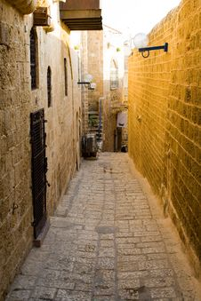 Free Narrow Streets Of Old Jaffa. Royalty Free Stock Images - 9353029