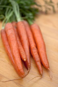 Free Bunches Of Fresh Carrots For Sale At A Market Royalty Free Stock Image - 9353056
