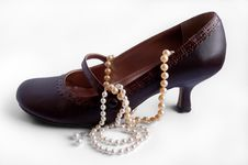 Free High Heel Shoe With Pearls Royalty Free Stock Images - 9353749