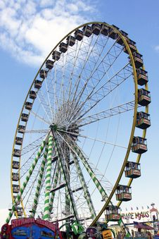 Free Ferris Wheel Stock Photography - 9354162