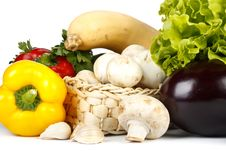 Free Still-life With Fresh Vegetables Royalty Free Stock Image - 9354316