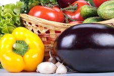 Free Still-life With Fresh Vegetables Royalty Free Stock Photography - 9354327
