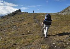 Free Two Backpackers On The Trail Royalty Free Stock Images - 9355399