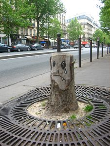 Free Sad Vampire Tree Stump Royalty Free Stock Photography - 93552627
