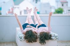 Free Friends Relaxing Outdoors Royalty Free Stock Photo - 93555685