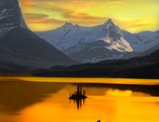 Free Beautiful Alaskan Sunset Framed By Mountains  Stock Photos - 93558253