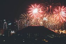 Free Firework Display In City At Night Royalty Free Stock Photography - 93558887