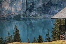 Free Mountain Lake And Cabin Stock Photography - 93559152