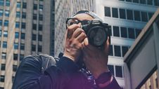 Free Journalist Taking Picture In The City Royalty Free Stock Photos - 93560068