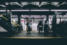 Free People On Subway Platform Stock Image - 93560171