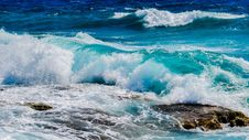 Free Blue Waves Coming Ashore Royalty Free Stock Photos - 93560508