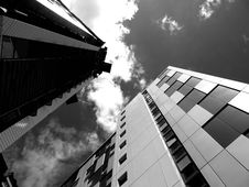 Free Modern Sky Scrapers Stock Photography - 93561262