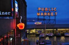 Free Pike Place Market Royalty Free Stock Image - 93561976