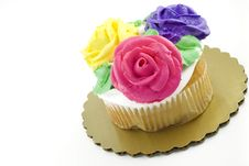 Free Cupcake Decorated With Frosting Roses Stock Images - 9361534