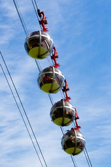 Free Sphere Cable Cars Royalty Free Stock Photography - 9363207