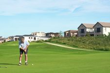 Free Senior Golfer Playing Golf Royalty Free Stock Photos - 9363768