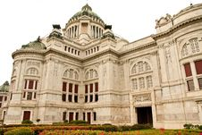 Free The Throne Hall In Bangkok Royalty Free Stock Photos - 9364708