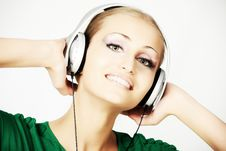 Free Music Girl Royalty Free Stock Photos - 9369248