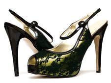 Free Womanish Shoes Isolated Royalty Free Stock Photos - 9370158