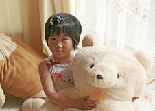 Free Little Girl And Teddy Bear Stock Images - 9374194
