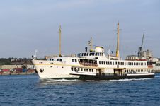 Free Ship In Bosporus Istanbul Stock Photos - 9377693