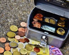 Free Coins And Banknotes In Metal Box Stock Photo - 93797830