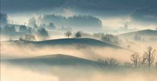 Free Mist Over Rolling Hills Stock Photography - 93797912